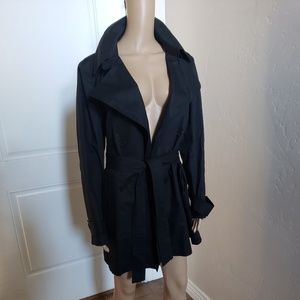LACOSTE WOMEN'S BELTED BLACK TRENCH COAT